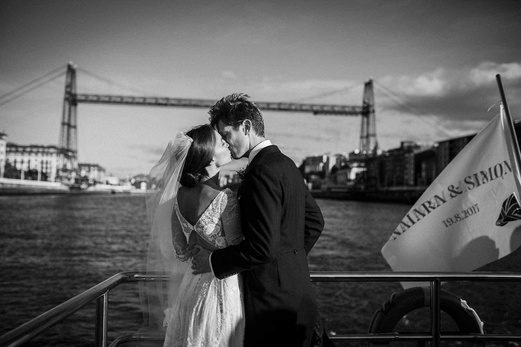 Puente colgante - boda en getxo - boda en el norte - boda en barco - me caso - mejores wedding planner - Itziar Ortuondo