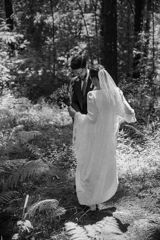 vestidos de novia - Itziar Ortuondo - Boda en el palacio de Ubieta
