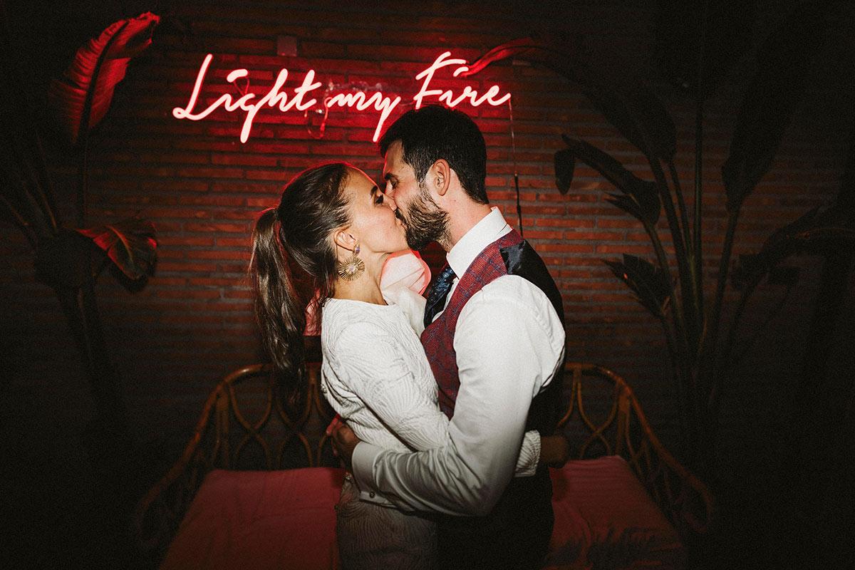 Neon de boda - Photocall - Jardín de Barretaguren - Wedding Planner
