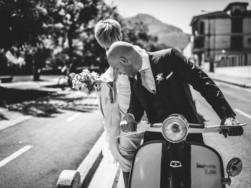 Novios en moto - Itziar Ortuondo - me caso - happinnes wp bilbao